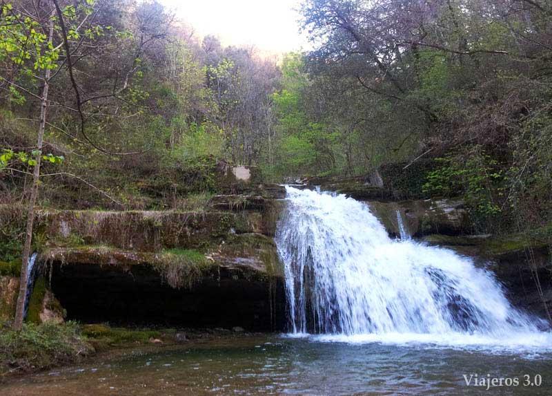 Cascadas de Irús en el norte de Burgos
