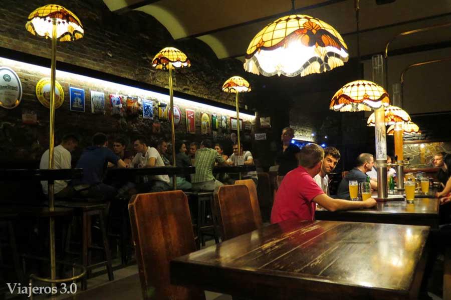 bares subterráneos Cracovia