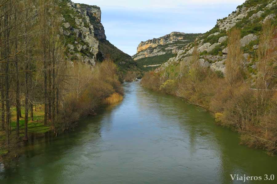 río Ebro en el desfiladero del Hocinos