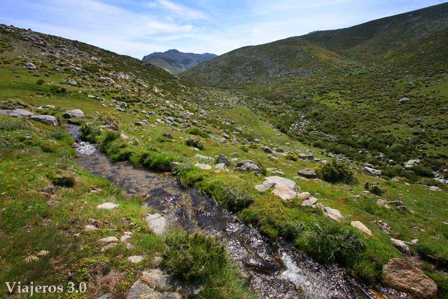 Valle Glaciar de la Serrá en la Garganta de los Infiernos