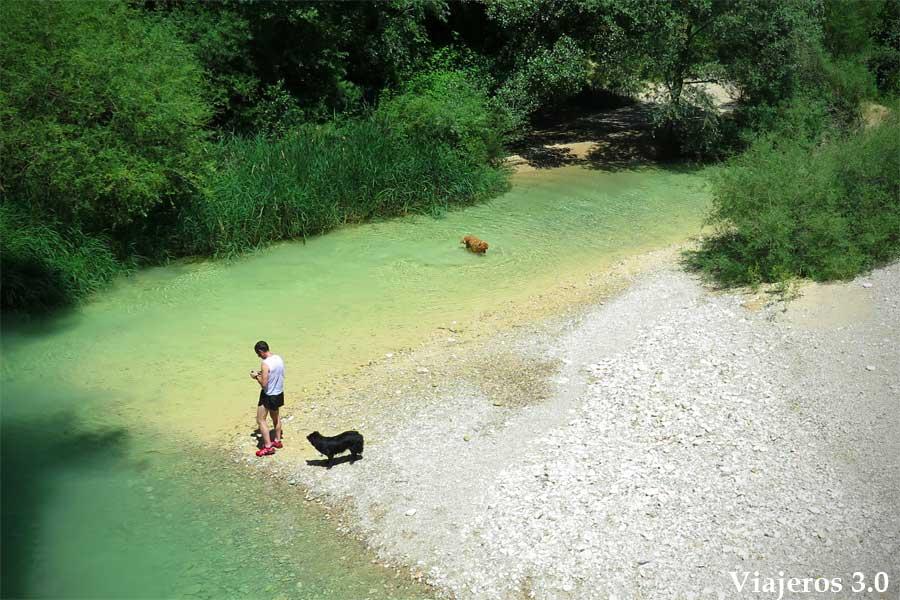 aguas turquesa en el Cañón del Río Vero
