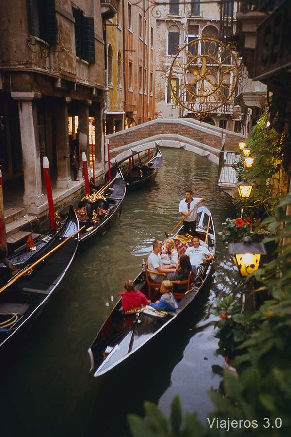 contratar una góndola en Venecia