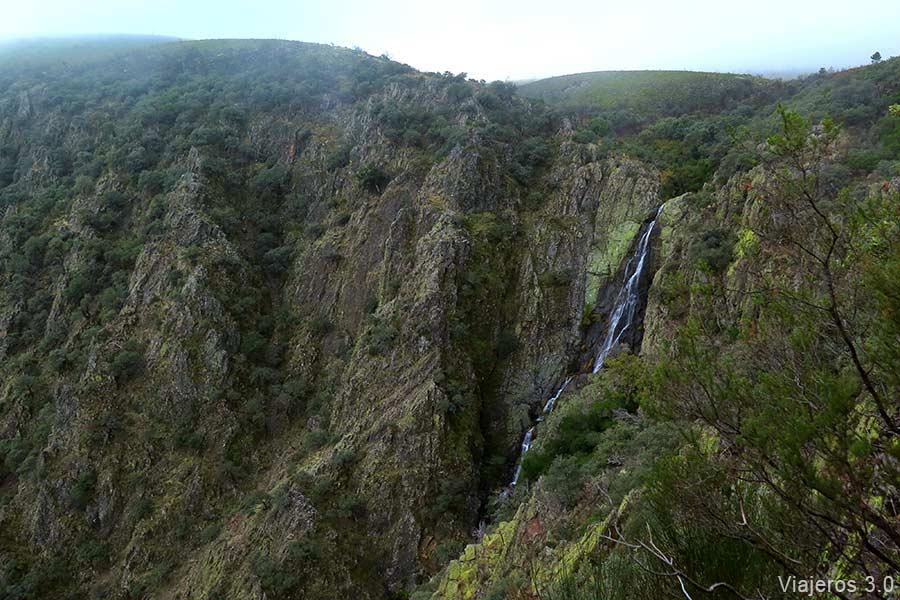 Cascada de la Cervigona, en la Sierra de Gata