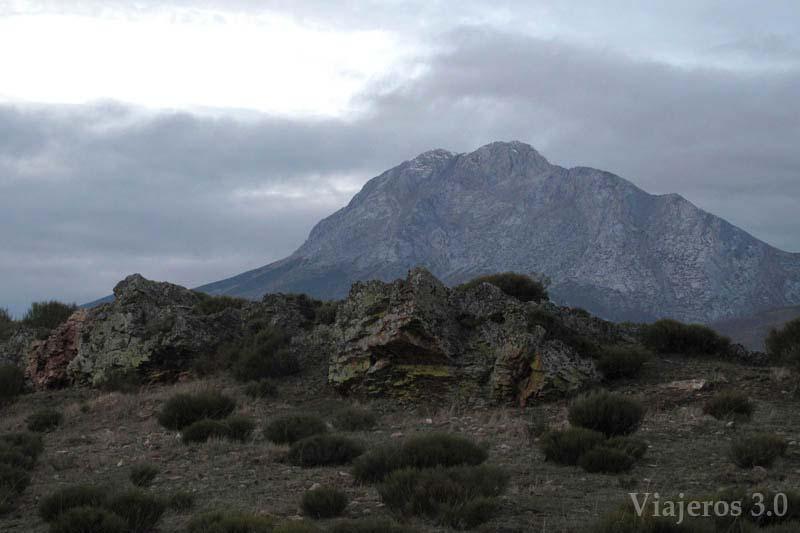 Pico Espigüete en los pantanos de la Montaña Palentina