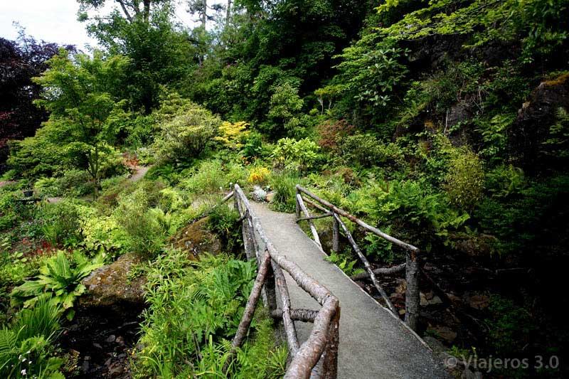 jardines castillo Dunvegan en la isla de Skye