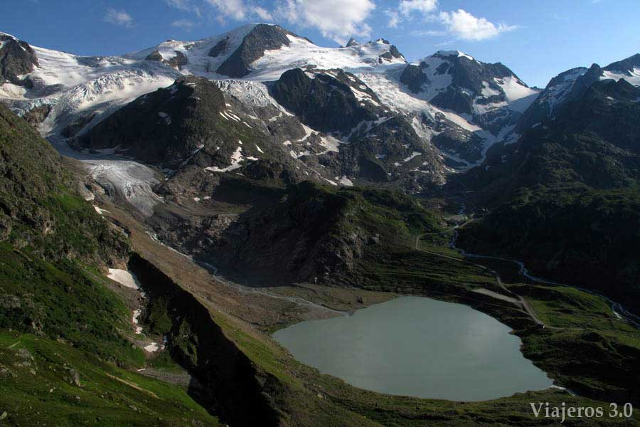 Carretera de los tres puertos en Suiza: glaciar Steinen