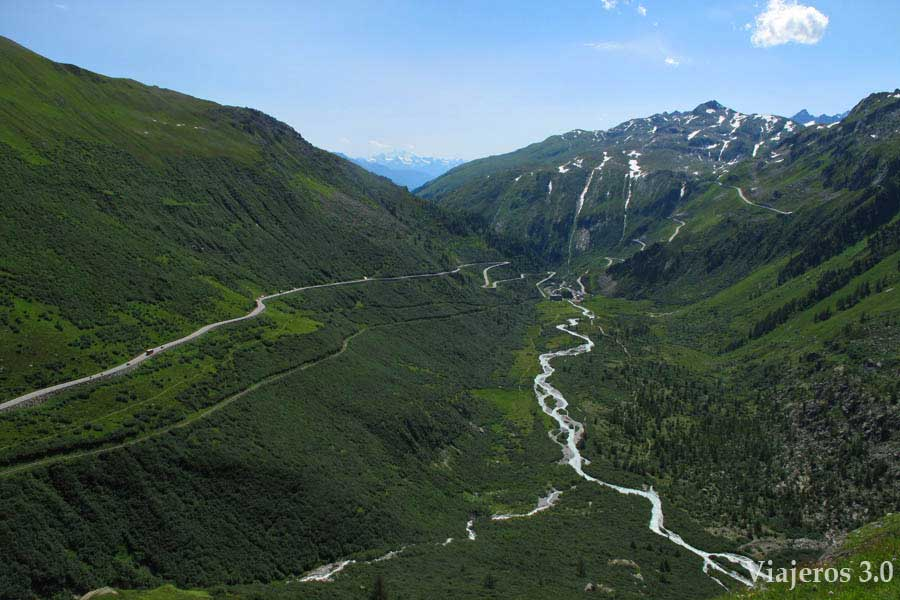 Carretera de los tres puertos en Suiza: Grimselpass.