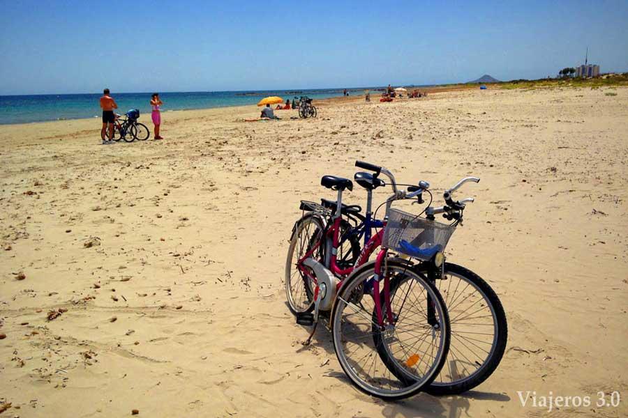 Ruta en bici a la playa Punta de Algas.