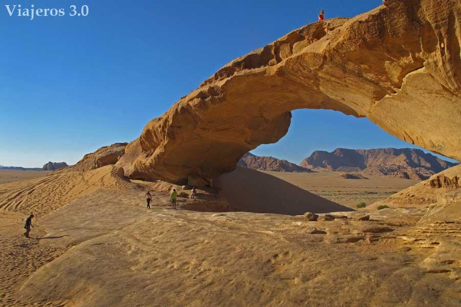 puentes en el desierto de Wadi Rum