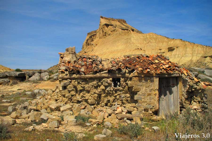 cabaña en ruinas en las Bardenas Reales