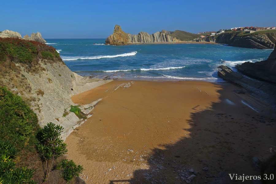 playa de Cerrias en Costa Quebrada