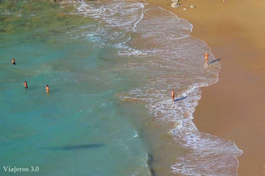 playa de Somocuevas. en Costa Quebrada