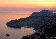 atardecer sobre la ciudad vieja de Dubrovnik