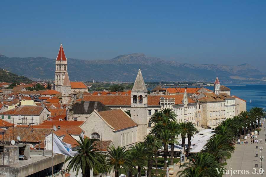 ciudad vieja de Trogir, ruta por Croacia y Eslovenia