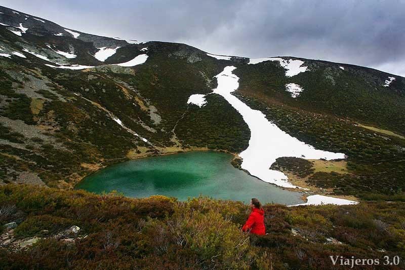 laguna glaciar del Pozo Negro. De Tres Aguas al Pozo Negro.