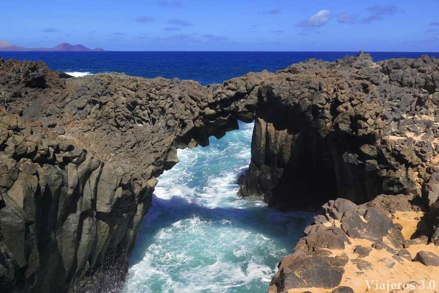 Los Arcos , una parada imprescindible que hacer en la isla de La Graciosa