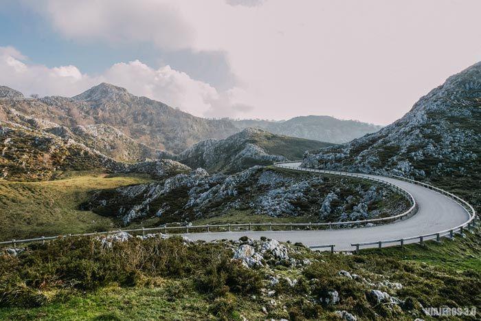 Carretera de acceso a lagos de Covadonga, qué ver cerca de Covadonga