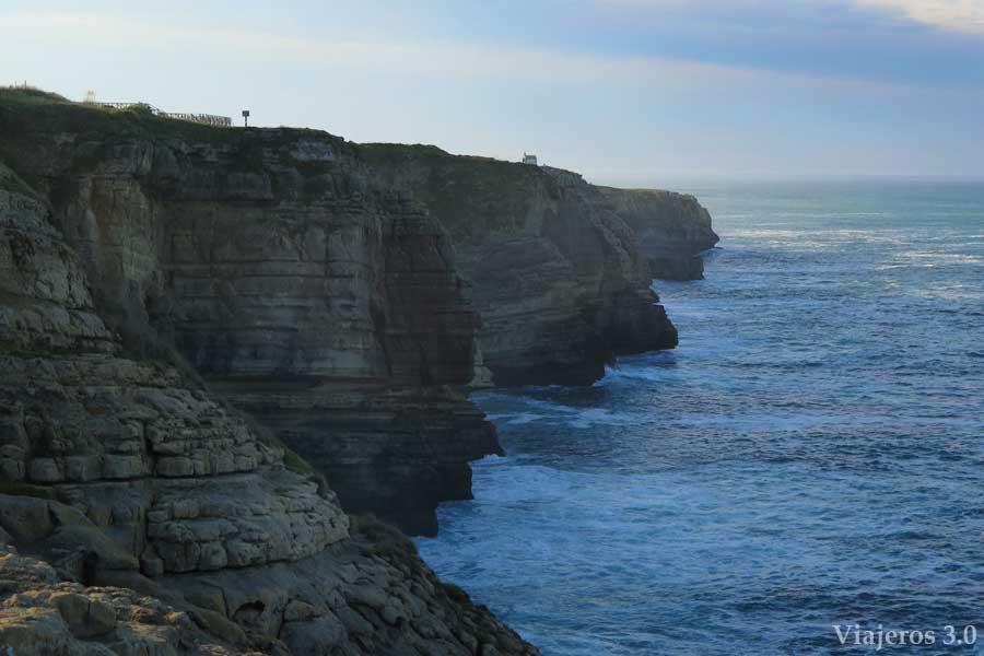 acantilados de Cueto, del Sardinero al Faro de Cabo Mayor