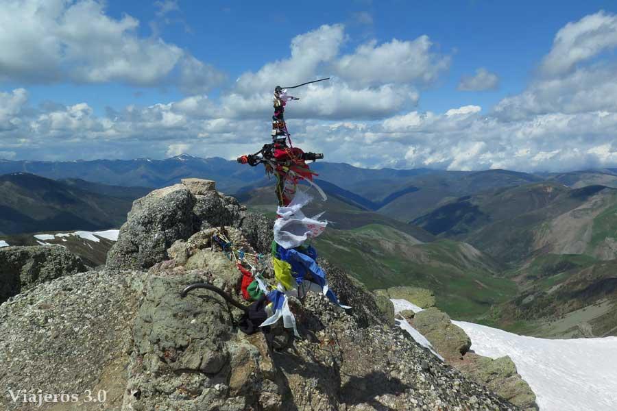 cima del Pico Urbión, senderismo en la Laguna Negra