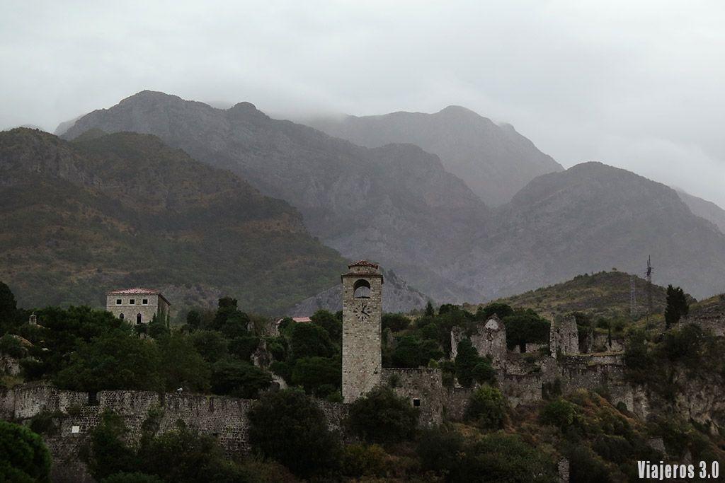 ruinas de Stari Bar en Montenegro