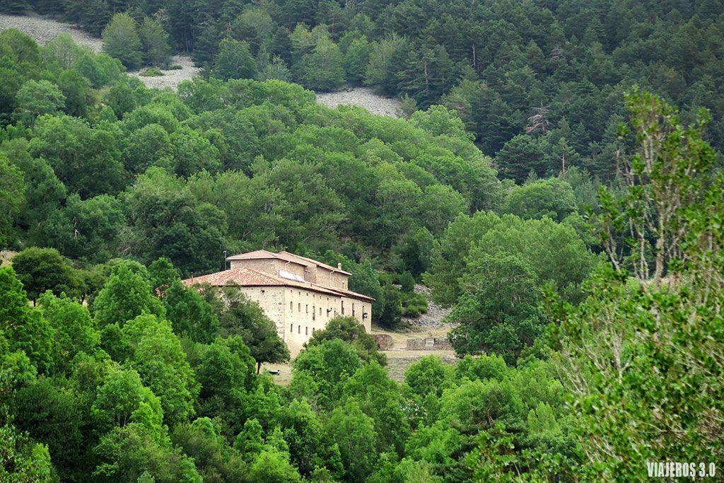 Ermita Lomos de Orio, cascadas de Puente Ra en la Sierra de Cebollera