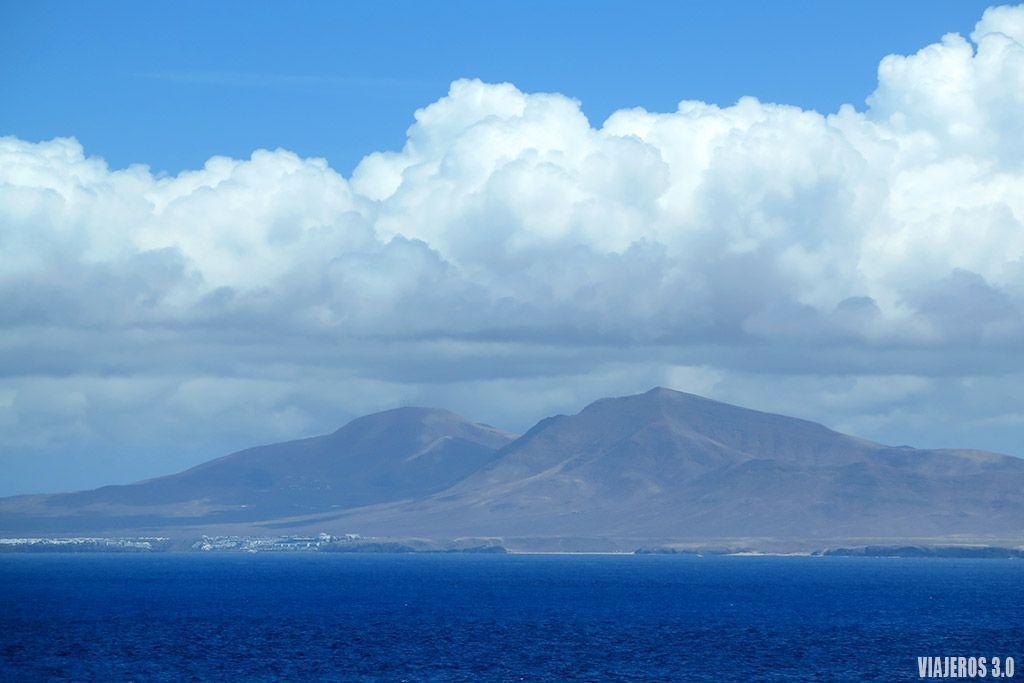 Lanzarote desde la isla de Lobos