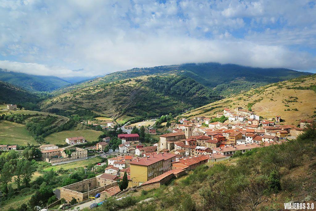 Villoslada de Cameros y las cascadas de Puente Ra en Sierra de Cebollera