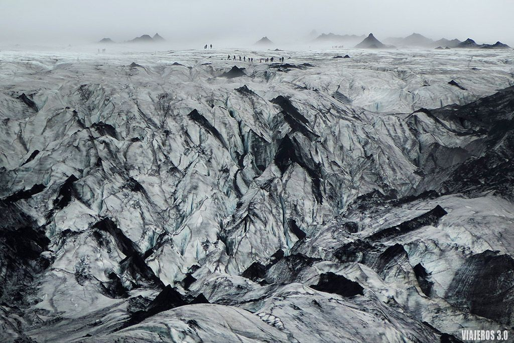 Trekking por el glaciar Solheimajokull en Islandia