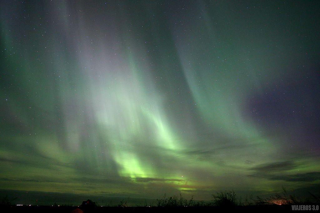 explosión de auroras boreales en Islandia