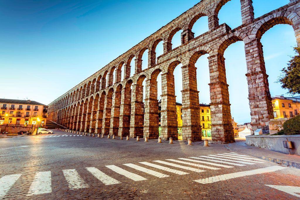 El Acueducto de Segovia, qué ver cerca de Madrid.