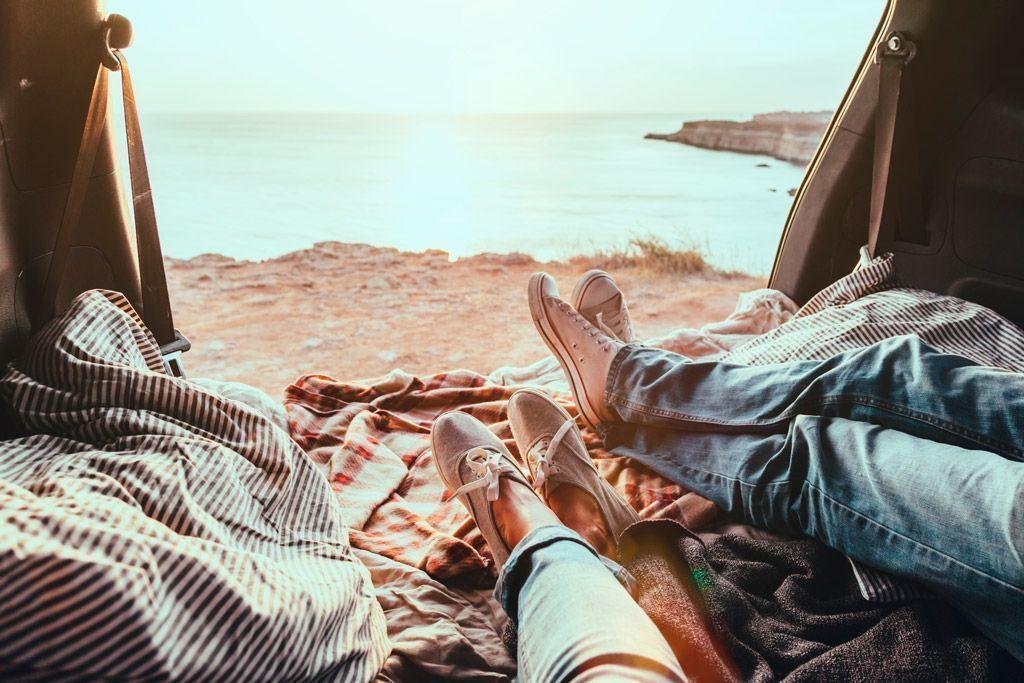 Levantarse en sitios diferentes, viajar en camper.