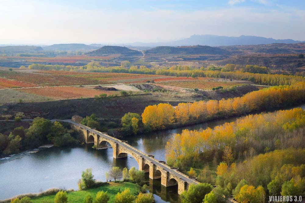 San Vicente de la Sonsierra, viñedos de La Rioja en otoño