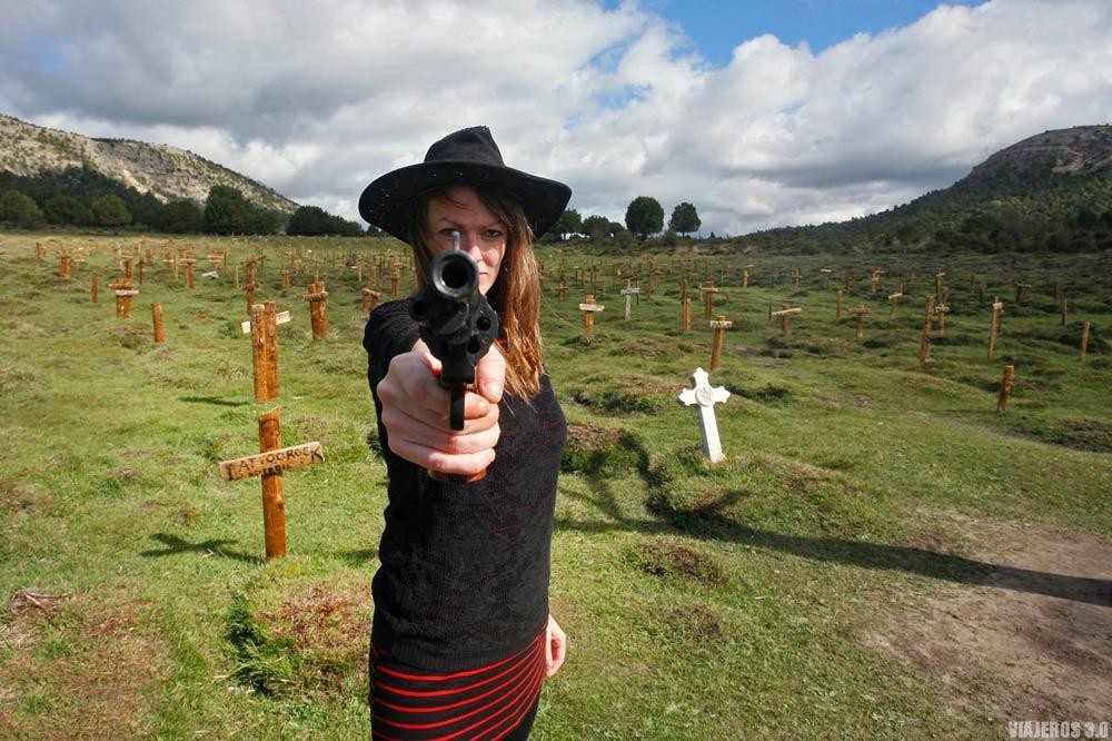 Posando en el cementerio de Sad Hill en Burgos