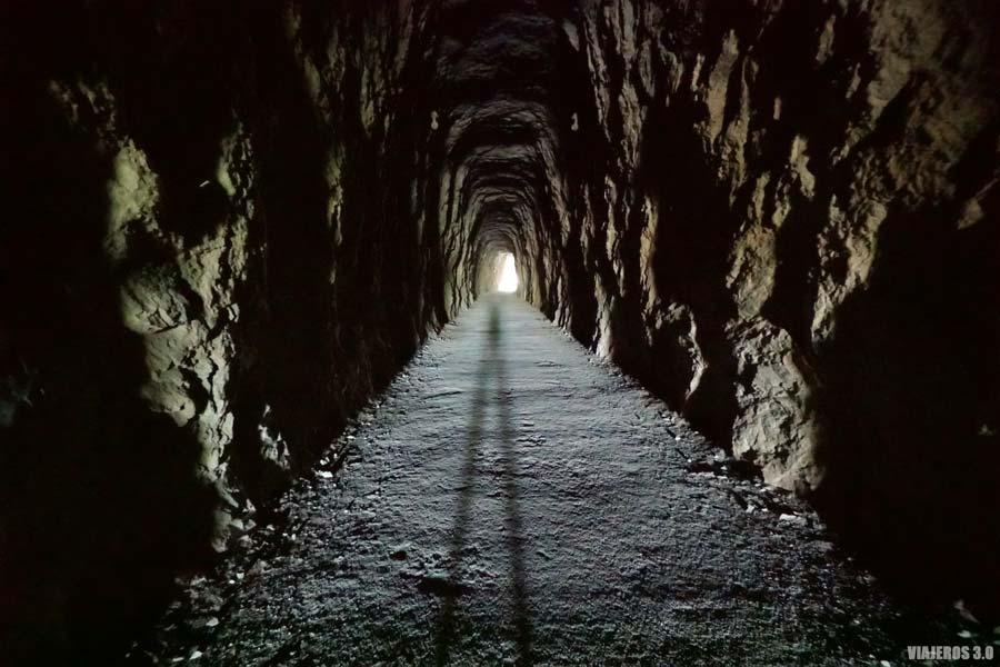 Túneles durante la ruta de la Foz de Lumbier