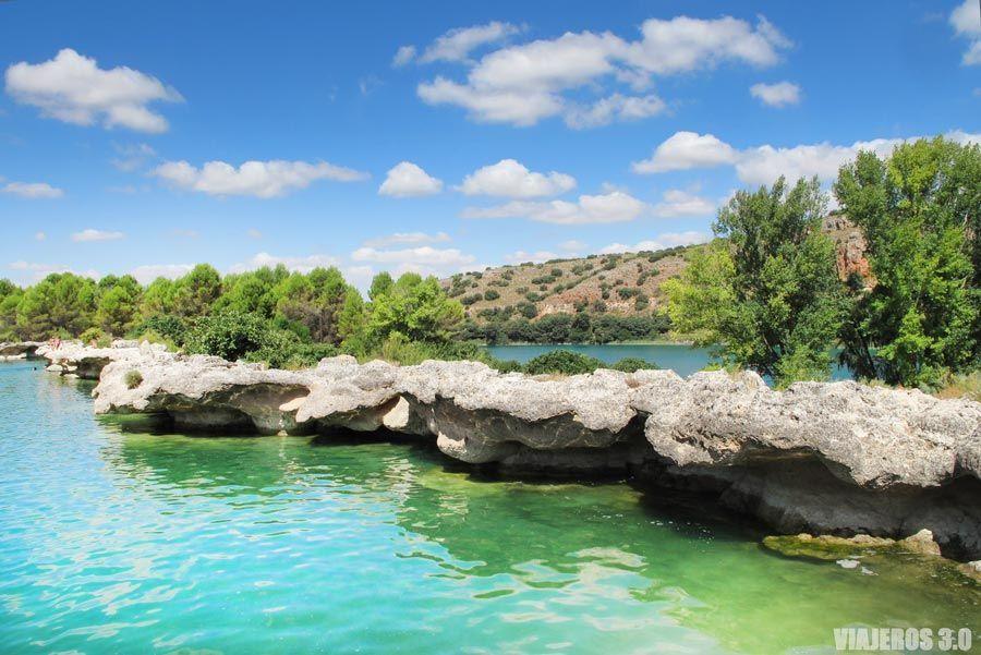 Barreras tobáceas en la laguna Lengua, qué ver en Ruidera