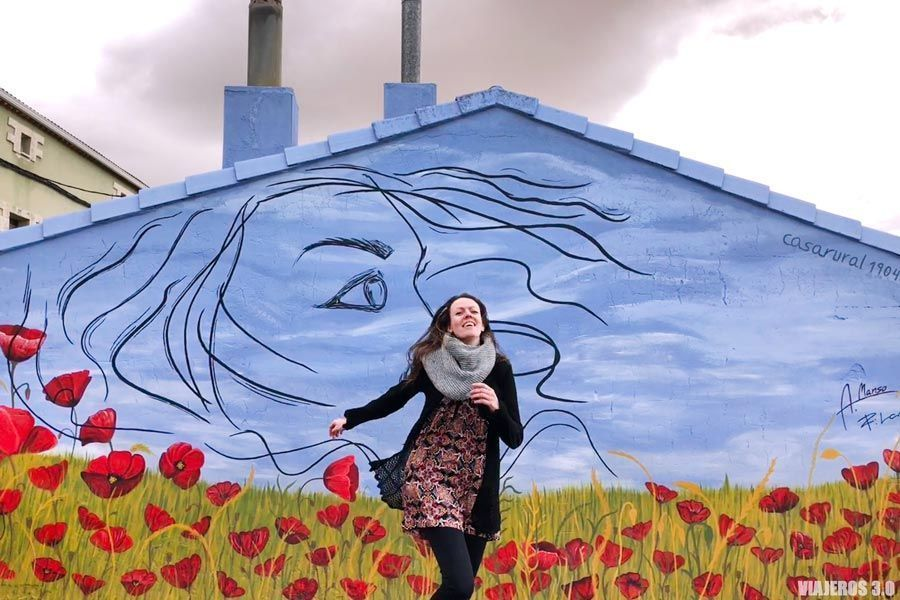 Vivos colores en los murales de Tubilla del Lago en Burgos