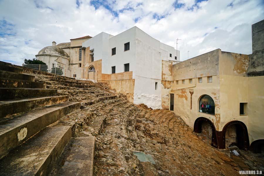 Teatro Romano en el barrio del Pópulo.