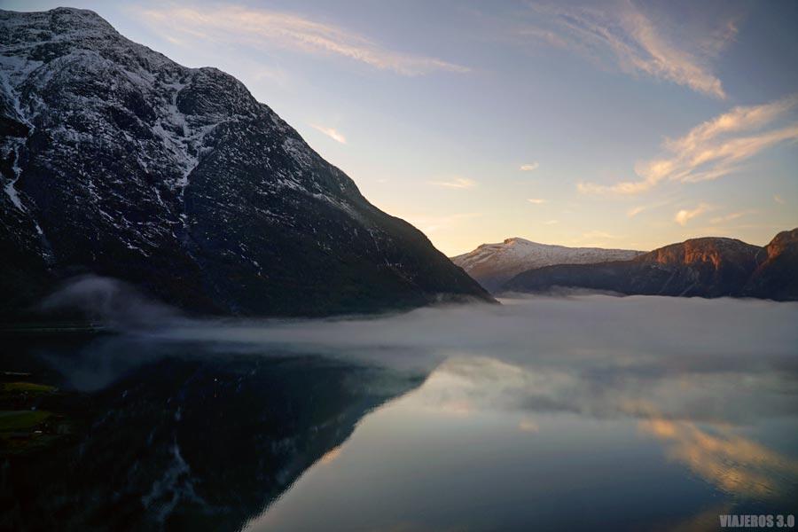 Fiordo de Hardanger en Eidfjord.
