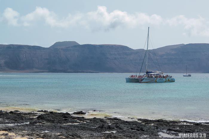 Qué hacer en la isla de La Graciosa, excursión en catamarán