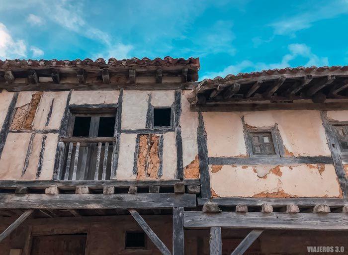 Detalle arquitectónico de Calatañazor en Soria