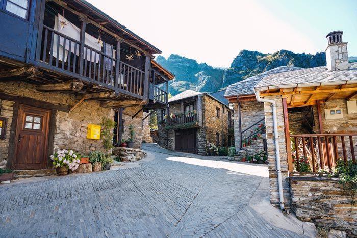 Arquitectura tradicional en el Peñalba de Santiago y el Valle del Silencio.