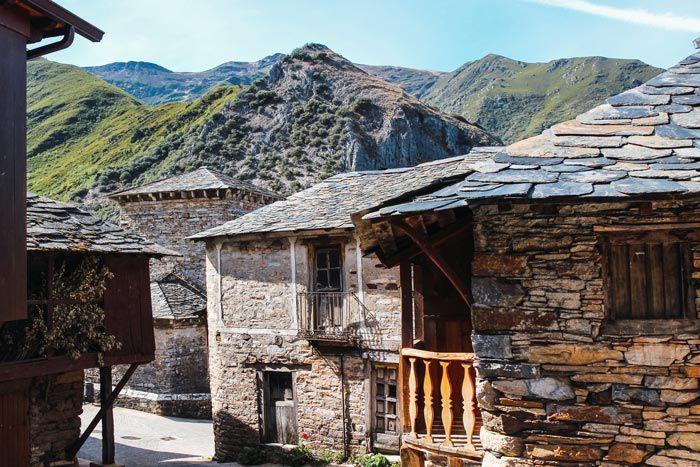 Qué ver en Peñalba de Santiago en el Valle del Silencio.