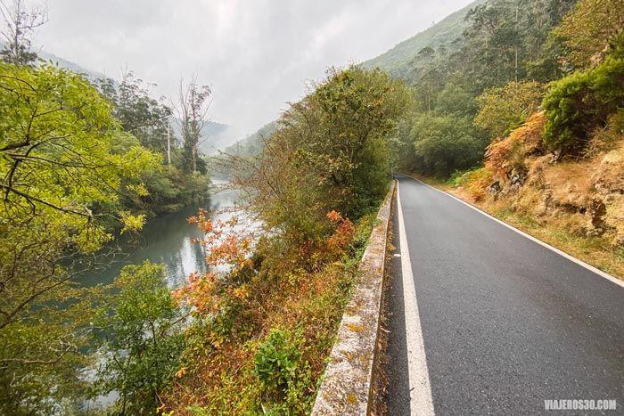Carretera de acceso a Fragas do Eume