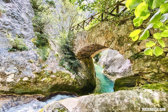 Desfiladero del río Purón en Álava.