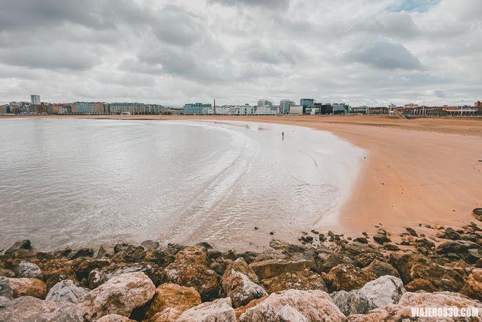 Playa de Poniente, qué ver en Gijón en un día