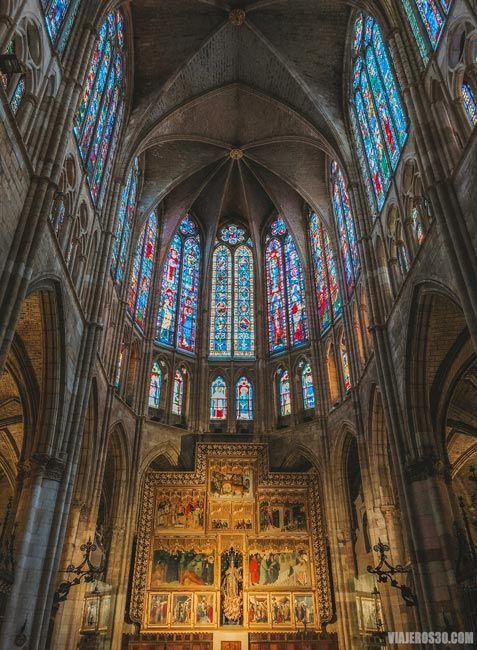 Visitar el interior de la catedral de León
