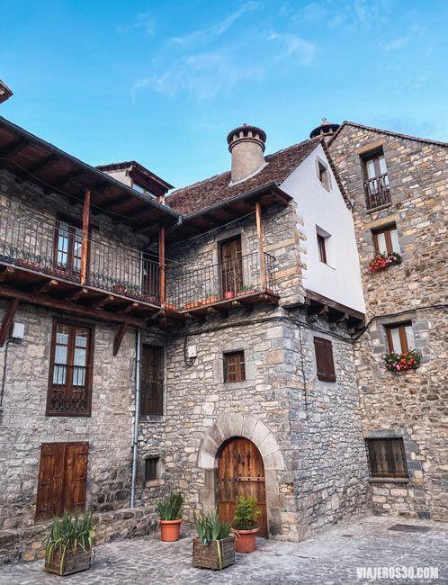 Arquitectura tradicional en Ansó, Huesca.