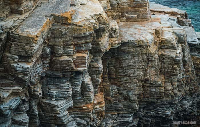 Formaciones rocosas en la playa de las Catedrales.