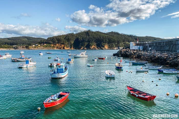 O Porto de Espasante, un precioso pueblo que ver en las Rías Altas gallegas.