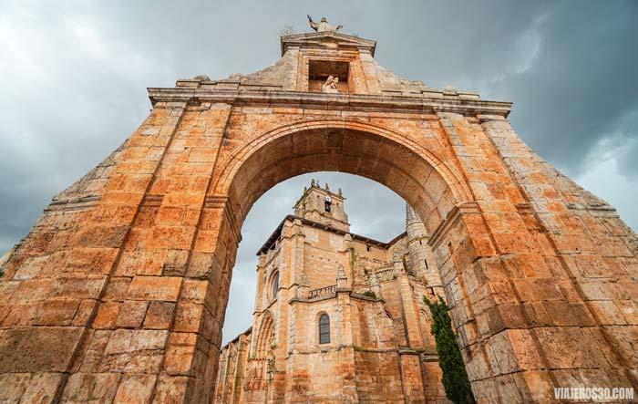 Colegiata de Santa María la Real de Sasamón, Burgos